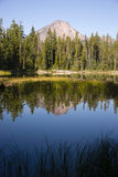 Cztery mil góry McLoughlin Klamath okręgu administracyjnego Oregon Jeziorna kaskada Mo zdjęcia stock