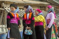 Cztery mniejszości etnicznej kobieta przy starym Dong Van rynkiem, Obraz Stock