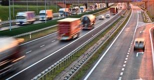 Cztery pasów ruchu dostępu autostrada w Polska Zdjęcia Royalty Free