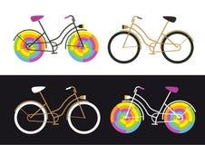 Cztery retro rower ikony na białym i czarnym kolorowym rowerze tła, prostego i śmiesznego, ilustracji