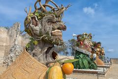 Cztery sezonów ` jest rzeźby seriami cztery gigantycznej głowy, each reprezentować sezon rok Artysta Philip Haas Obrazy Stock