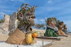 Cztery sezonów ` jest rzeźby seriami cztery gigantycznej głowy, each reprezentować sezon rok Artysta Philip Haas Obraz Royalty Free
