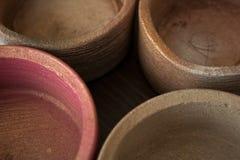 Cztery textured betonu garnka w beżu i menchiach w górę zdjęcie stock