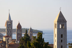 Cztery wierza miasto Rab w Chorwacja Fotografia Royalty Free