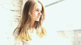 Czuć smucenie młoda piękna dziewczyna zbiory