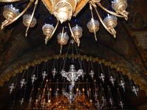 CZUWANIE lampy, golgota, kościół ŚWIĘTY SEPULCHRE, JEROZOLIMA, IZRAEL Zdjęcie Royalty Free