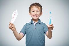 czyścić zęby zdjęcia stock
