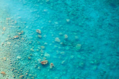 Czyści jasnego morze, odgórnego widok woda i dno morskie, zdjęcie royalty free