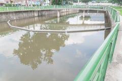 Czyści outfall rzekę przy Paya Lebar Singapur obraz stock