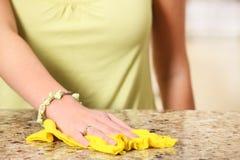 czyścić marmuru powierzchni praca Zdjęcie Stock