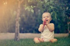 Czysta radość - śliczny szczęśliwy dziecko Obraz Royalty Free