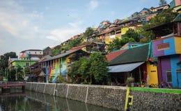 Czysta woda w rzeki i tęczy wioski widoku, Semarang Indonezja obraz royalty free