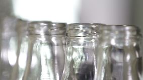 Czysty przejrzysty butelki zakończenie zbiory