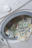 czyszczenie pojęcia pralniczy pieniądze Obrazy Royalty Free