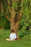 czytanie chłopca Obraz Stock
