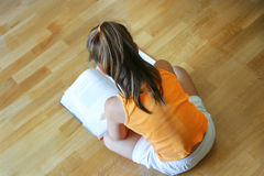 czytanie dziecka Obrazy Royalty Free
