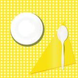 Dà il modello a cucchiaiate piano della tavola del piatto di minestra Immagine Stock