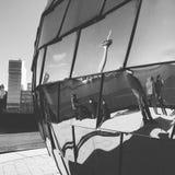 DÃ-¼sseldorf - Rheinturm reflexion Arkivfoto