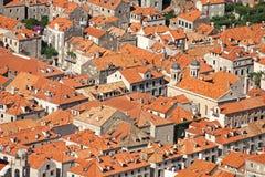 Dächer in Dubrovnik stockfoto