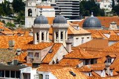 Dächer und Hauben von Dubrovnik Stockbild
