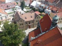 Dächer von Häusern in M?lník-Stadt stockfotografie