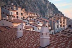Dächer von modernen Häusern Stockbild