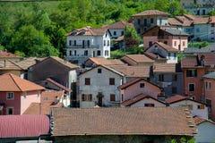 Dächer von Montoggio Stockfotografie