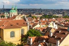 Dächer von Prag Stockfotografie