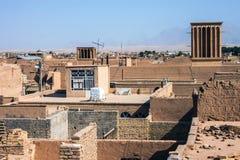 Dächer von Yazd Stockbild
