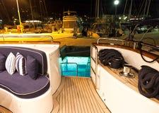 Däck av den lyxiga yachten Arkivfoto
