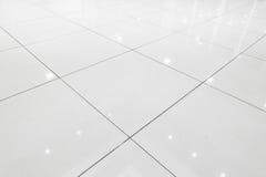 Däcka keramiska tegelplattor av korridorrum , Abstrakt bakgrund Arkivfoton