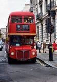 Däckaren för klassikerroutemasterdubblett bussar Arkivbilder