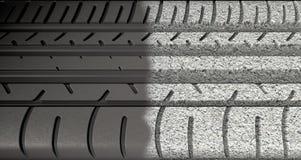 Däckdäckmönster som Morphing för att asfaltera Royaltyfri Fotografi