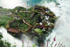 däcket faller orkanen niagara Arkivbilder