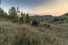Dämmerung über dem großartigen Tetons von der Frühlings-Nebenfluss-Ranch Jackson lizenzfreie stockfotografie