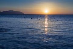 Dämmerung über dem Roten Meer Lizenzfreie Stockfotos