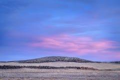 Dämmerung über Vorbergen in Nord-Colorado Stockfotos