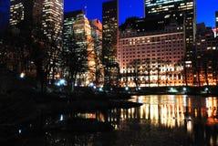 Dämmerung auf Central Park und der Piazza Stockfotos