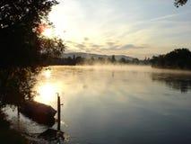 Dämmerung auf dem Oberrhein-Fluss stockbild
