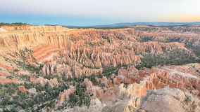 Dämmerung bei Bryce Point, Bryce Canyon National Park, UT Lizenzfreie Stockbilder