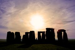 Dämmerung bei Stonehenge Stockfotos