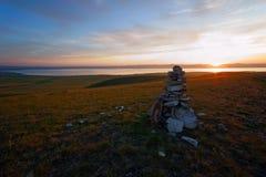 Dämmerung in den Steppen von Khakassia stockbilder