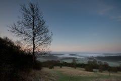 Dämmerung in den Surrey-Hügeln Stockfotos