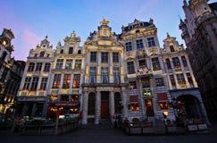 Dämmerung in der Mitte von Brüssel Lizenzfreie Stockfotos