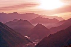Dämmerung Shennongjia Berge von China Stockfoto