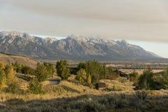 Dämmerung und eine Wetterfront über dem großartigen Tetons von der Frühlings-Nebenfluss-Ranch Jackson lizenzfreies stockfoto