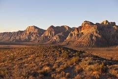 Dämmerungleuchte am roten Felsen Nevada Stockfoto