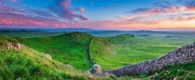 Dämmerungs-Panorama an Hadrian-` s Wand stockbild
