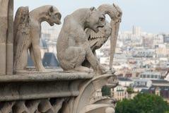Dämon-, Hunde-und Reiher-Wasserspeier von Notre Dame Stockfotos