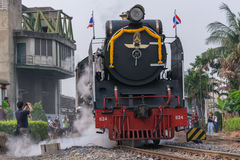 Dämpfen Sie Zug an der Reichsbahn von Thailand 119 Jahre Jahrestag Stockfotos